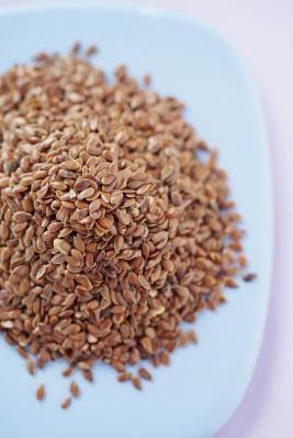 Como usar sementes de linhaça no lugar de arroz em compressas   eHow Brasil