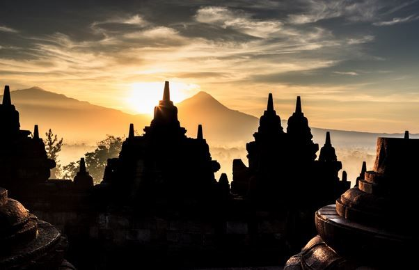 Sang Mentari dan Candi Borobudur