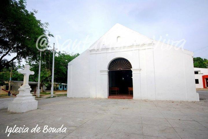 Fachada Iglesia de Bonda - Santa Marta (Col)