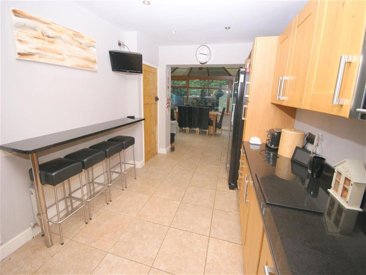 3 Bedroom Terraced House For Sale - Image 4