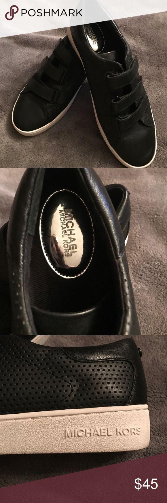 and white velcro michael kors tennis shoes michael kors shoes sneakers. Black Bedroom Furniture Sets. Home Design Ideas
