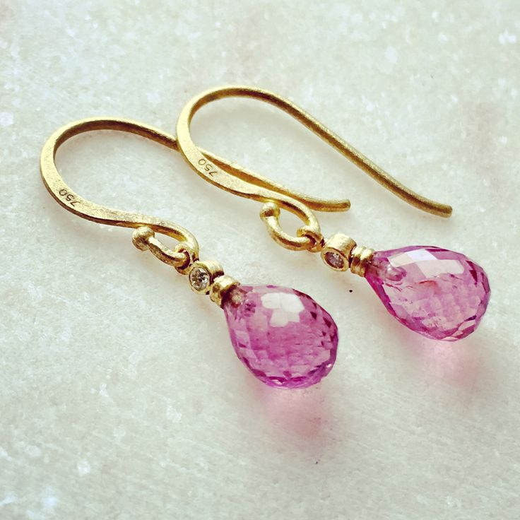 18 carat gold earrings with diamonds and facetted tourmaline drops