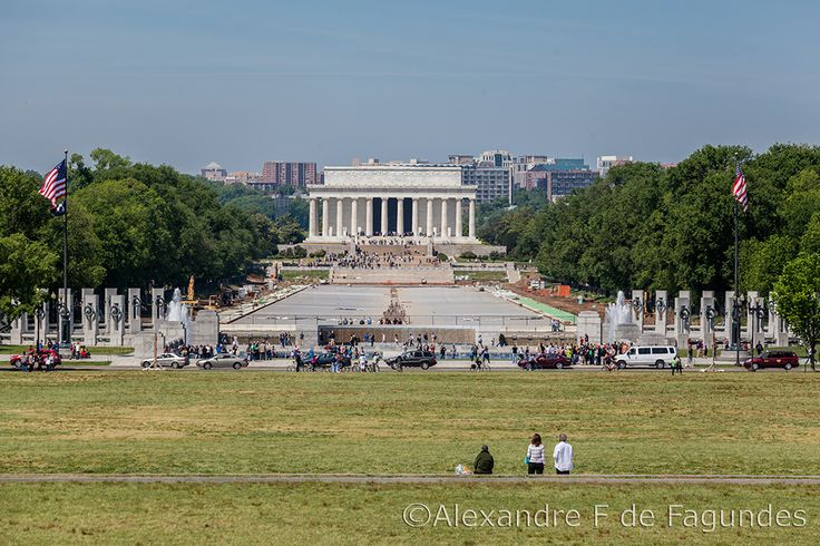 Lincoln and WWII memorials in Washington DC