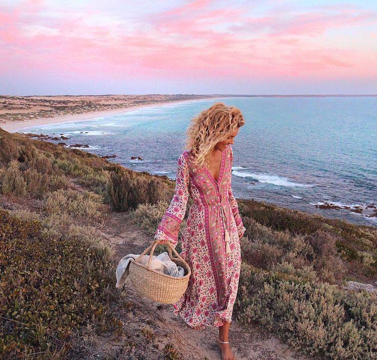 "6,872 Likes, 115 Comments - Elise Cook ◈ AUSTRALIA (@elisecook) on Instagram: ""Rolling home ✨ @arnhem_clothing"""