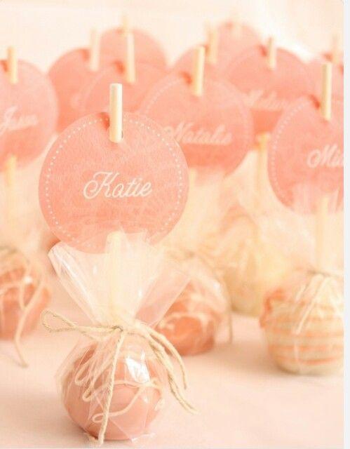 Cake pops as wedding favors ♥