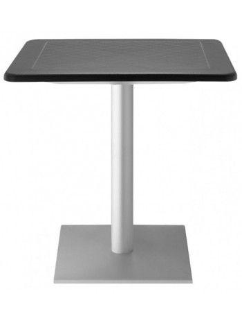Tavolo piano quadrato 70x70 oppure 80x80. Colonna in alluminio diam Ø 75 mm base quadrata 40x40. Piano in polipropilene disponibile nei colori: bianco lino, grigio chiaro o antracite