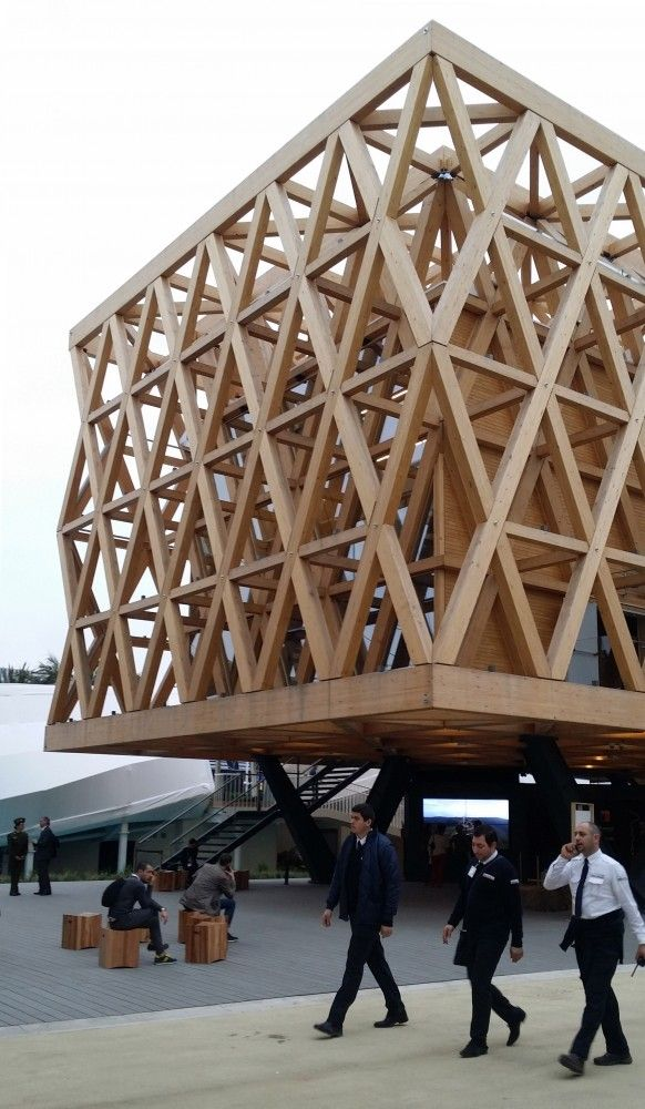 Cristián Undurraga Photographs His Pavilion for Chile at Milan Expo Hermoso proyecto y calidaden el uso de la madera!!!