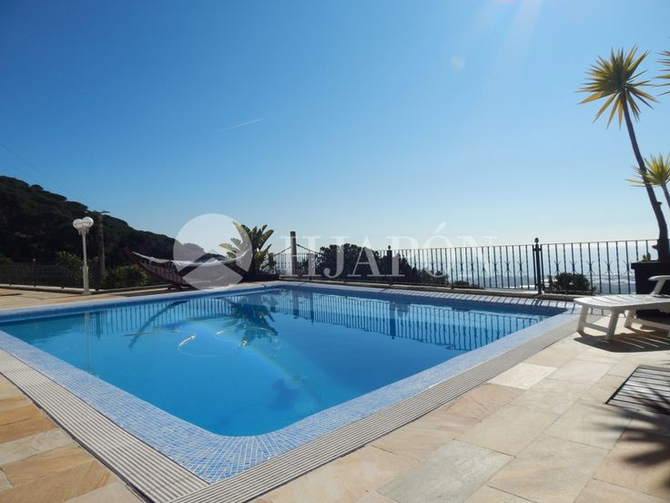 Mediterranean style house for sale in Cabrils, with a swimming pool and stunning views onto the sea.