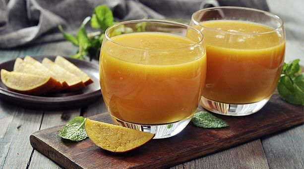 #Smoothie de mango, naranja y plátano.