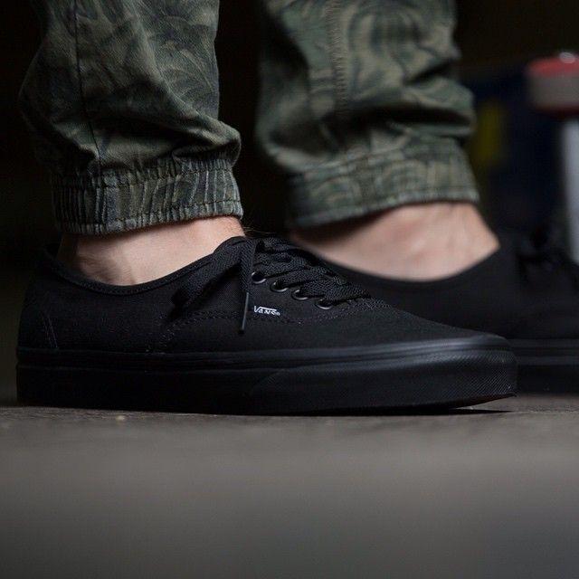 Vans Authentic (schwarz) - 43einhalb Sneaker Store Fulda