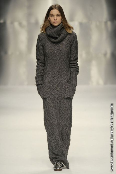 Cover me in cables  via http://modernmuslimah.tumblr.com/post/16734198693/oh-my-word-i-need-this-knitted-jumper-jilbab