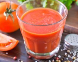 Jus de tomates au sel de céleri à calories négatives : http://www.fourchette-et-bikini.fr/recettes/recettes-minceur/jus-de-tomates-au-sel-de-celeri-a-calories-negatives.html