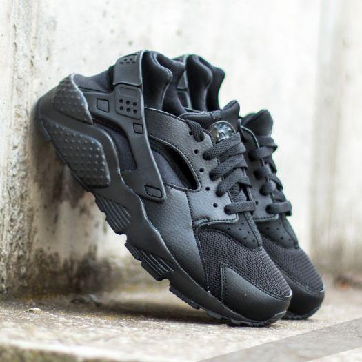 Nike Huarache Run (GS) Black/ Black-Black za skvělou cenu 1 790 Kč s dostupností ihned najdete jen na Footshop.cz!