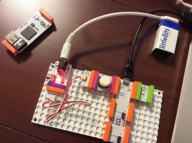리틀비츠 2번째 작품 (아두이노 프로그램을 작성해서 버튼을 누르면, LED에 불 들어오기) - 2014.08.09. by pletalk
