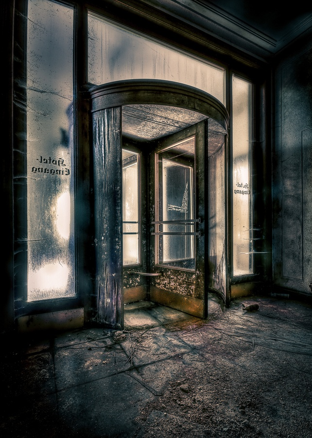 revolving door by Jilatty Arts, via 500px