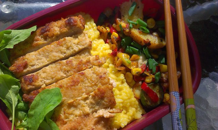 tonkatsu bento with rice and veggies