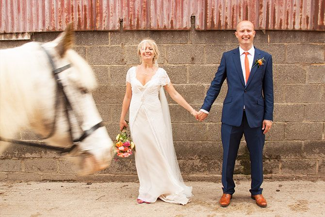 rustic wedding photography at herons farm pangbourne