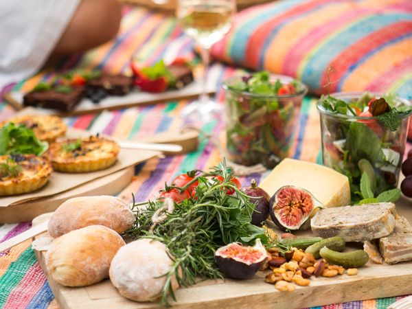 The great gourmet picnic guide http://www.eatout.co.za/article/30-great-gourmet-picnic-spots/