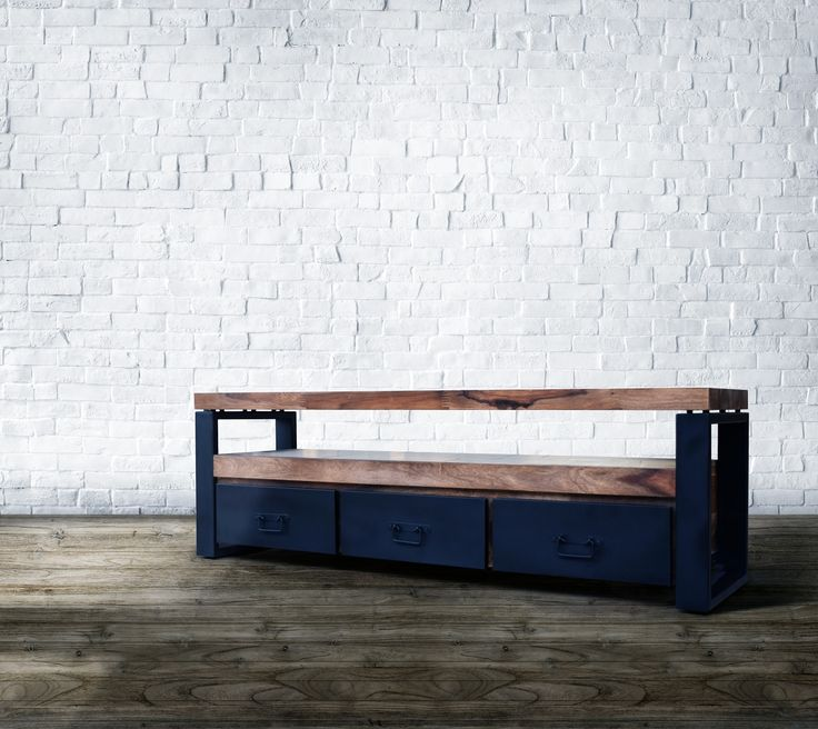Tv Bord i Industrielt Design - http://indieliving.dk/shop/tv-bord-hayfay-443p.html