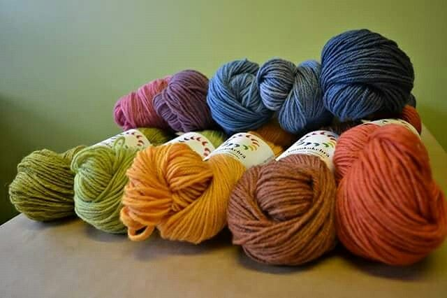 Aurinkokehrä, Finnish wool dyed w/ natural dyes.
