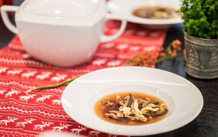 Wigilijna zupa grzybowa z lanymi bezglutenowymi kluskami - healthy plan by ann