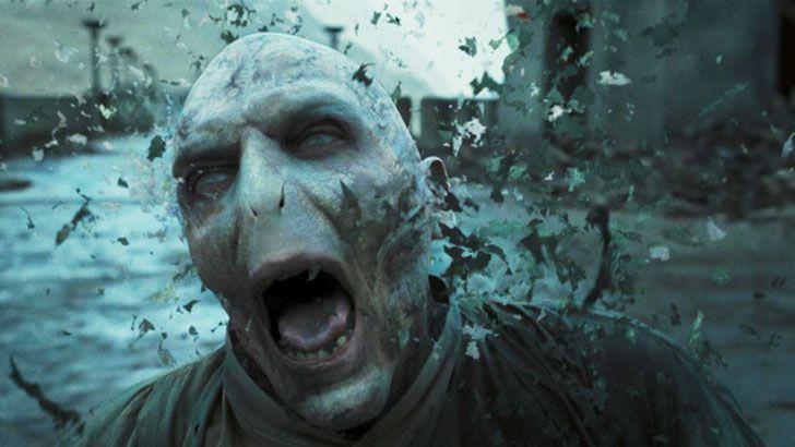 Все, что вы хотели знать, но боялись спросить о гриме в фильмах про Гарри Поттера http://chert-poberi.ru/interestnoe/vse-chto-vy-xoteli-znat-no-boyalis-sprosit-o-grime-v-filmax-pro-garri-pottera.html