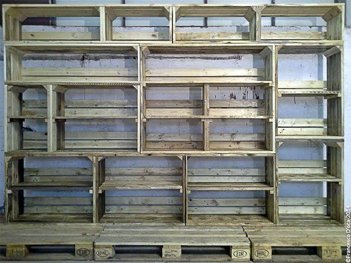 Moduli componibili. Il modulo box è un prodotto davvero unico, poichè si presta ad essere utilizzato per gli scopi più svariati quali libreria, comodino, tavolo a rotelle e tanto altro.