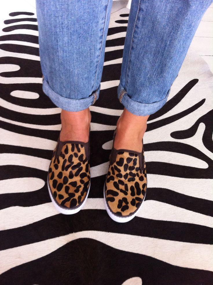 Leo leopard slippers www.annamavridis.com