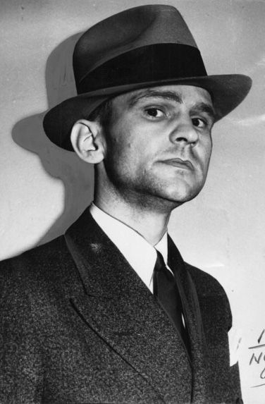 museumamericangangster:  American FBI agent Melvin 'Little Mel' Purvis is noted for leading the manhunts that tracked such outlaws as Baby Face Nelson, Pretty Boy Floyd, and John Dillinger. He would later die from an accidental discharge from the very gun he received upon retiring from the FBI.  Picture from: http://pinterest.com/pin/95068242103894287/