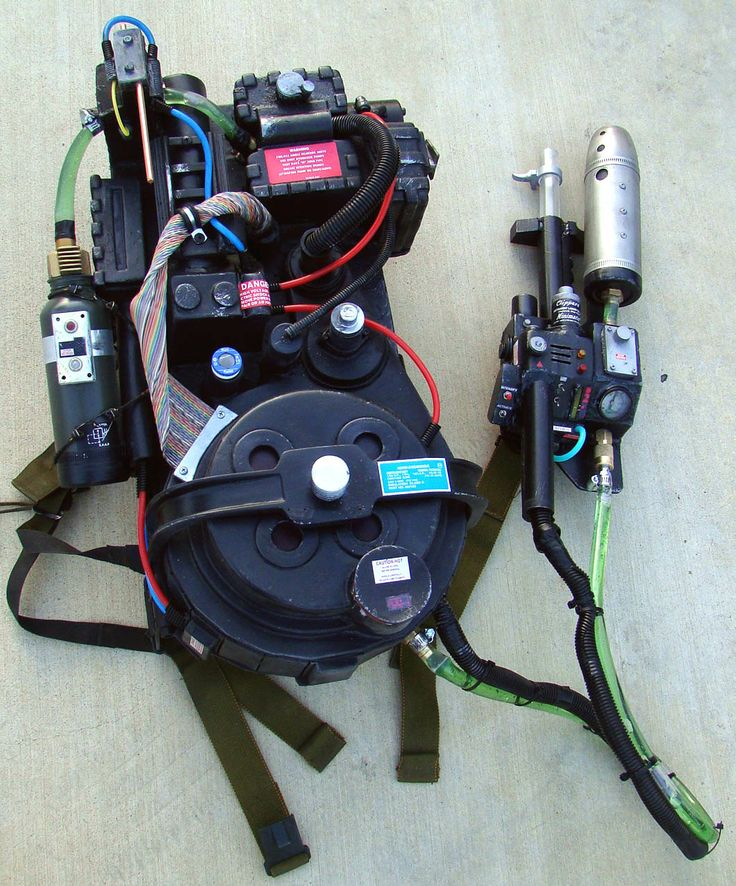 Viking Props custom proton pack inspired by Ghostbusters: The Video Game (2009)