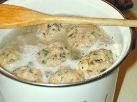 Welcome to in the kitchen with Oma! Great recipe for bread dumplings just like great- grandma Anna's.