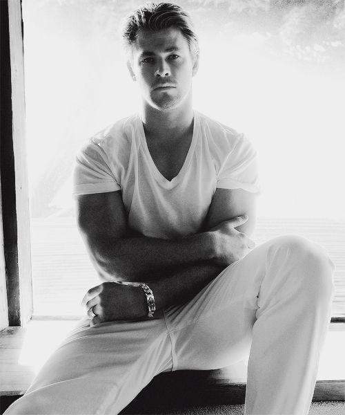 355 best Chris Hemsworth images on Pinterest | Chris d ...