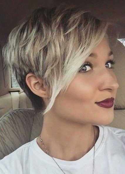 28 Super Cute Looks with Pixie Haircuts for Round Faces #shortpixie Regularly, you'll hear excellence counsel that says ladies with round faces should not go short pixie cuts. That is totally wrong. You can wear whatev..., Pixie Cuts