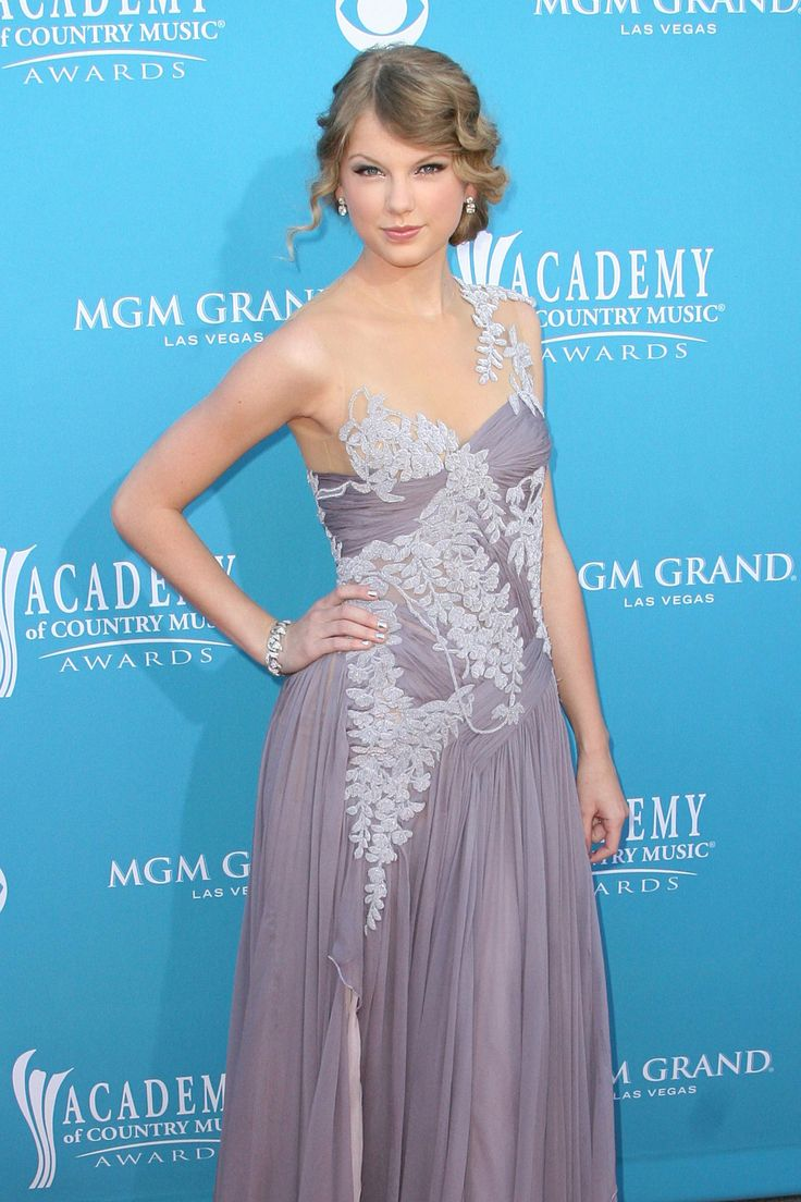 23 best Taylor Swift - ACM 2010 Dress images on Pinterest | Country ...