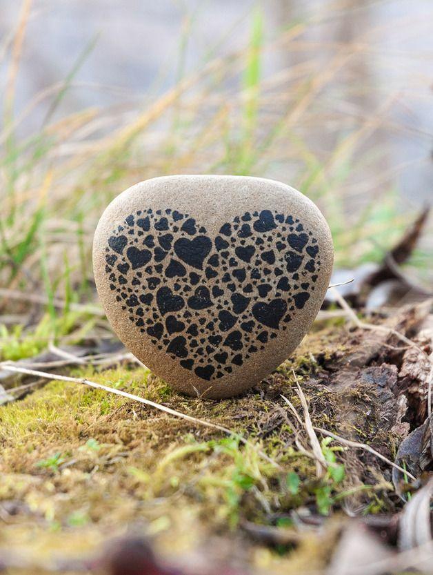 Fluss Stein Valentinsgeschenk Ein wahrer Hingucker                                                                                                                                                      Mehr