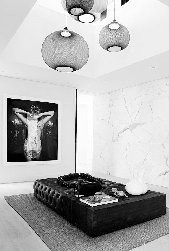Dressing room - Project By Grand Johnson Amsterdam - picture on te wall by Marc Lagrange and lamps by Moooi