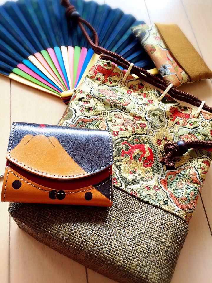 お!この信玄袋には、同じく秀吉の陣羽織柄の小さいふが似合いそうダスな〜☆
