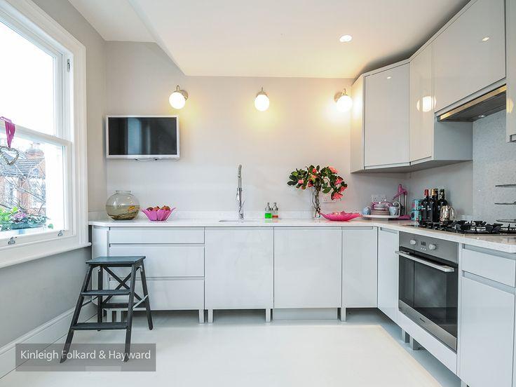 #lighting #white #kitchen #sashwindow #kfh