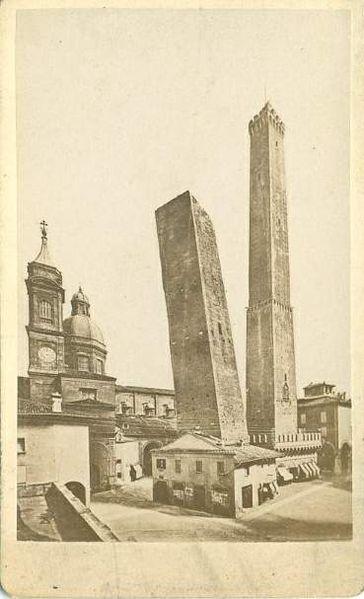 Le due torri, the symbol of Bologna