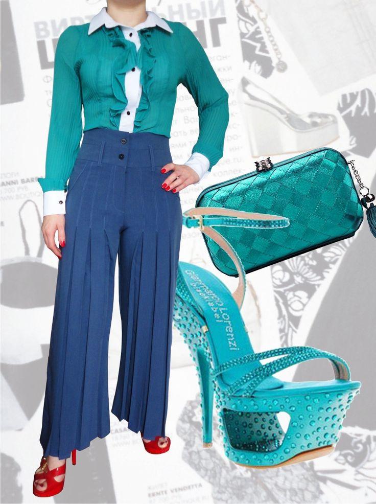 98$ Брючный костюм для полных девушек : классические брюки с завышенной талией со складками и прямые от бедра + блузка из гофрированного бирюзового  шифона Артикул 553, р50-64 Женские костюмы большие размеры  Женские костюмы деловые большие размеры  Женские костюмы с брюками большие размеры  Летний брючный костюм большие размеры  Нарядные женские брючные костюмы большие размеры