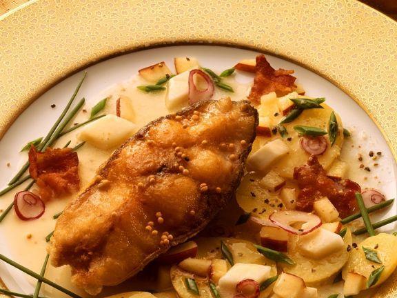 Gebackener Karpfen mit Salat ist ein Rezept mit frischen Zutaten aus der Kategorie Kartoffelsalat. Probieren Sie dieses und weitere Rezepte von EAT SMARTER!