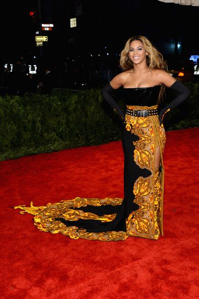 Beyonce Knowles Photos Photos - Beyonce Knowles attends the Costume Institute Gala for the 'PUNK: Chaos to Couture' exhibition at the Metropolitan Museum of Art on May 6, 2013 in New York City. - Red Carpet Arrivals at the Met Gala