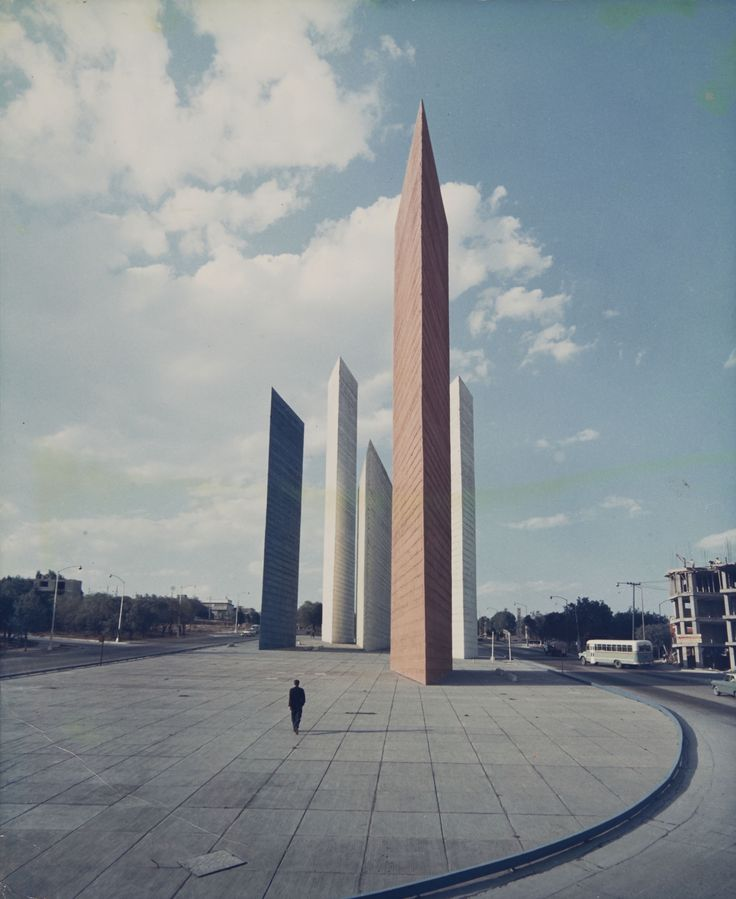 Torres de Cuidad Satélite, Mexico, 1957 – Most Beautiful Picture of the Day: November 15, 2017 - https://mostbeautifulpicture.com/2017/11/15/torres-de-cuidad-satelite-mexico-1957-beautiful-picture-day-november-15-2017/