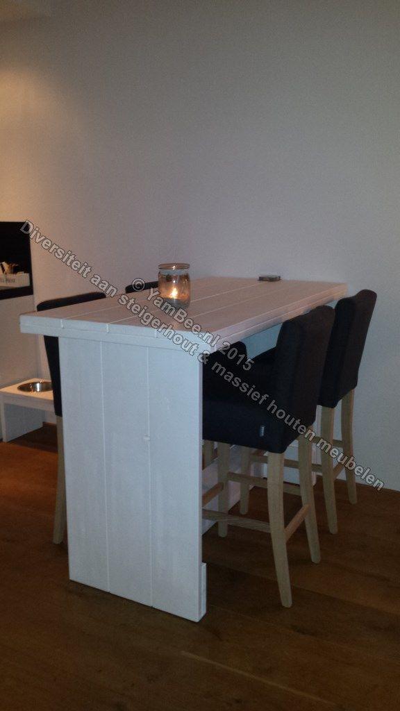 Steigerhouten bartafel model-Patricia. Voor meer informatie kijkt u dan op: www.yambee.nl Of stuurt u ons een mail met uw vraag naar: info@yambee.nl