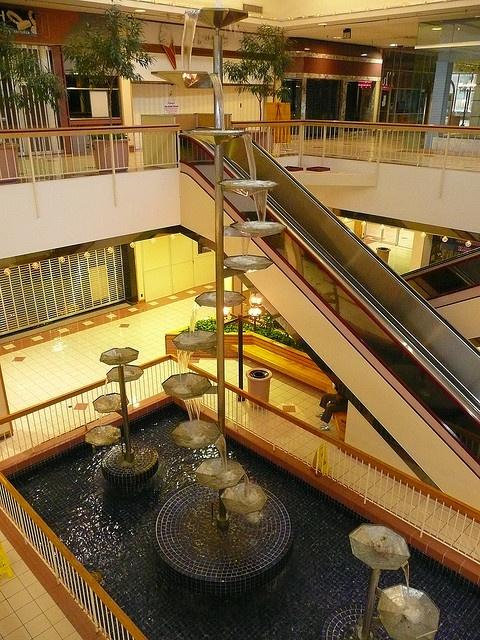 Beautiful Dead Mall, SAD