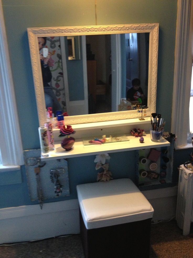 DIY vanity....make this instead of having the brown vanity