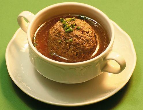 Leberknödelsuppe - Rezept - ichkoche.at