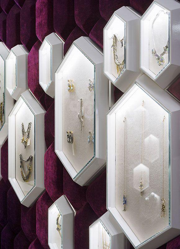 The Tailor Shop, Moskau. Ein Projekt von Ippolito Fleitz Group – Identity Architects.