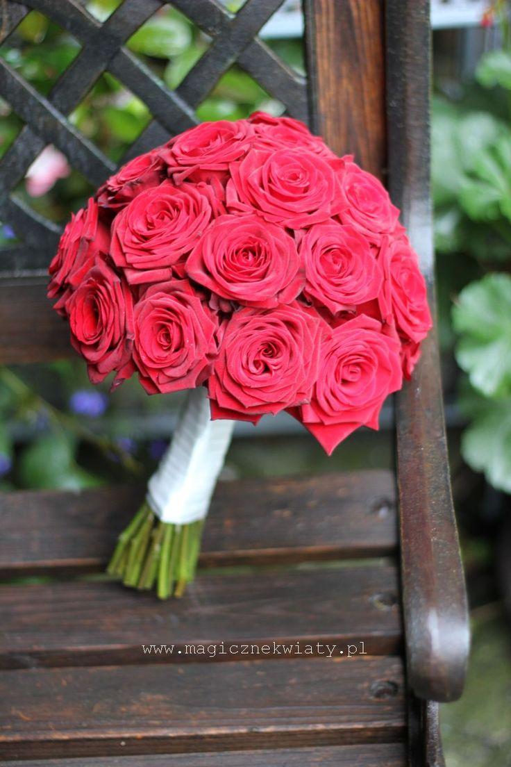 bukiet ślubny, czerwone róże