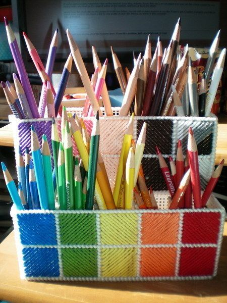 This is just cute! #papercraft #craft supply #organization Plastic Canvas Pencil Crayon holder